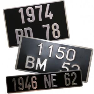 Plaque  auto 455 x 100 lettrage Alu ou blanc